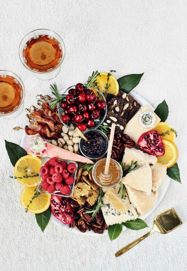christmas-brunch-cheese-board-top-view